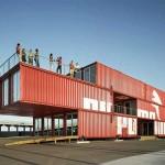 Puma City è l'architettura montabile e smontabile che l'anno scorso ha accompagnato la Volvo Ocean Race: 24 container, cablati e rimodulati in Cina, portati via mare e assemblati in un centro eventi e negozio che poi è stato trasportato da una parte all'altra del mondo, dalla Spagna agli Stati Uniti. Il concept è dello studio Lot Ek che con questo progetto ha premiato Puma per la più innovativa campagna di marketing mai realizzata da un'azienda.